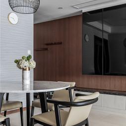 现代四居餐厅吊灯设计实景图