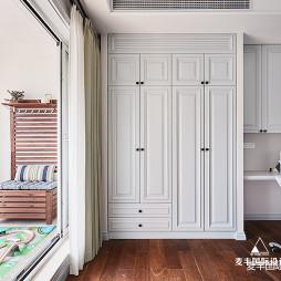 美式轻奢复式卧室衣柜图片
