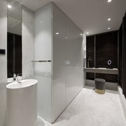 现代纯白卫浴图