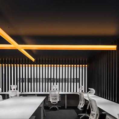 一条橙光,穿过空间,完成设计_3513213