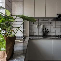 精简致现代厨房设计图