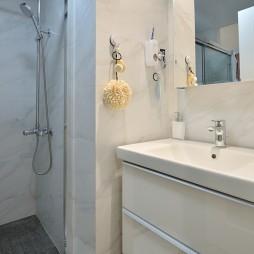 现代两居室卫浴洗手台设计