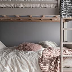 质朴现代风儿童房床设计