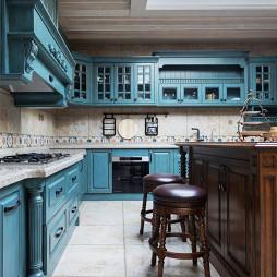 法式浪漫别墅厨房设计