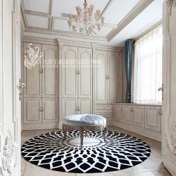 法式浪漫别墅衣帽间设计