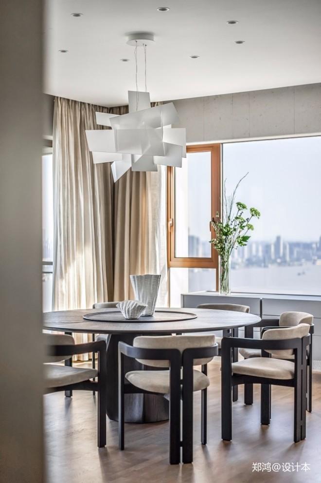 515㎡ 平层现代风餐厅吊灯图片