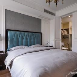 细致美式风卧室衣柜设计