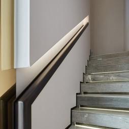 天赋姚江叠墅样板房楼梯设计