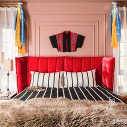 温哥华森林别墅卧室设计