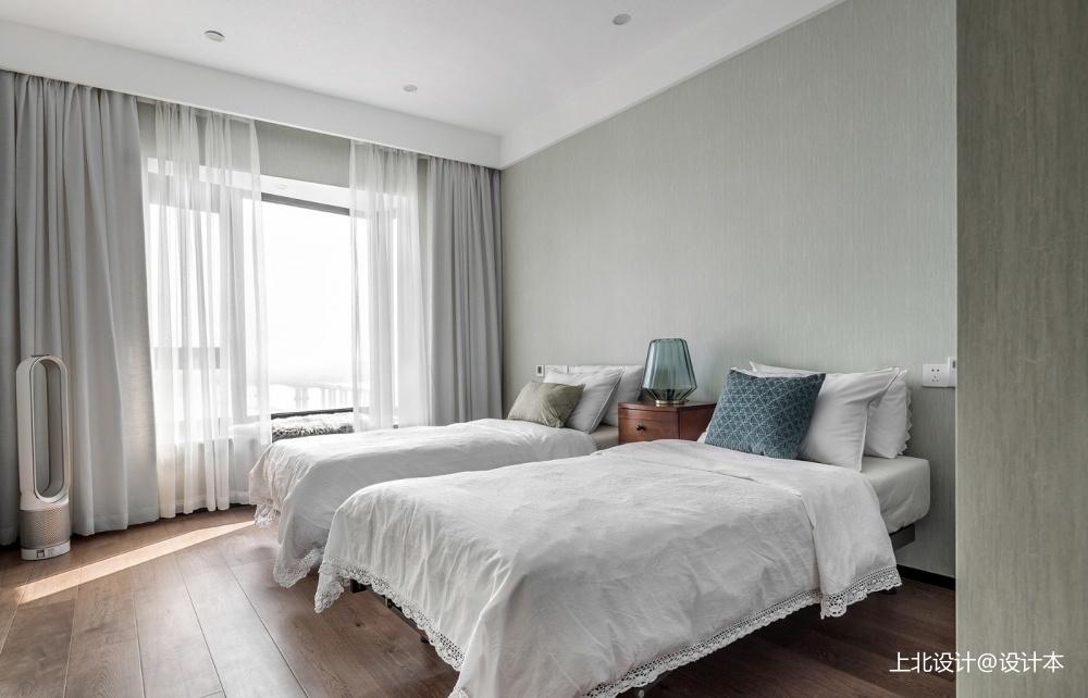 四居中式风客卧设计