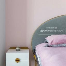 粉色系北欧风卧室床头柜设计