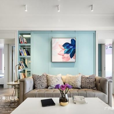 美式风三居客厅装饰画图