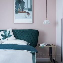 墨绿+脏粉色系卧室吊灯图