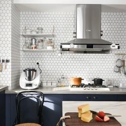 北欧极简风厨房实景图片