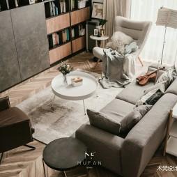 235平米现代简约—客厅图片