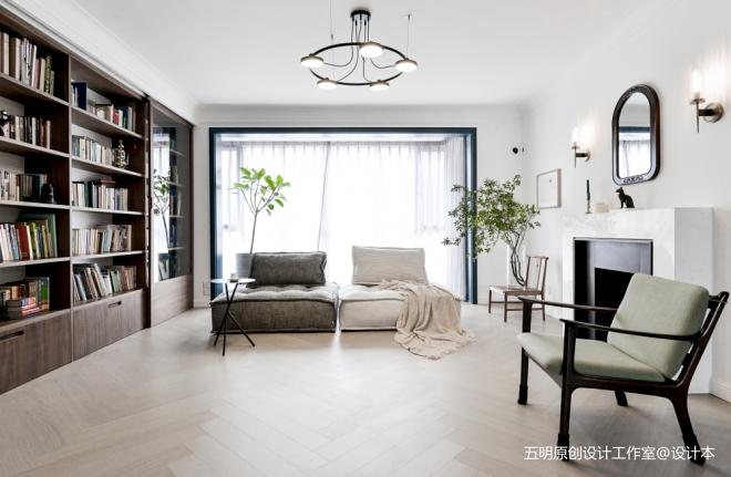 家具组合打造会变形的客厅也装下了明月