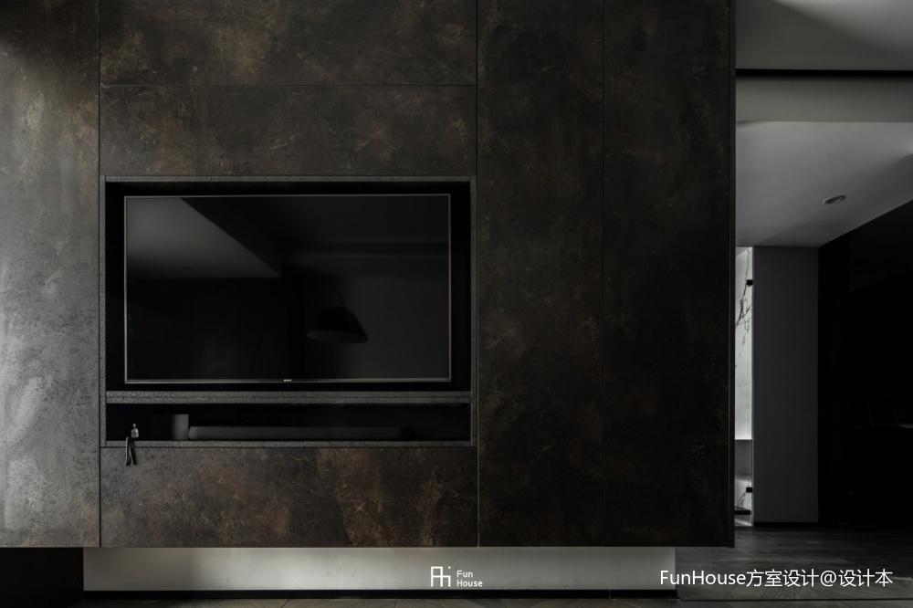 暗色倒影|玻璃隔开的动与静——电视墙图片