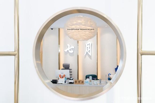 购物空间设计:七月服装店_38962