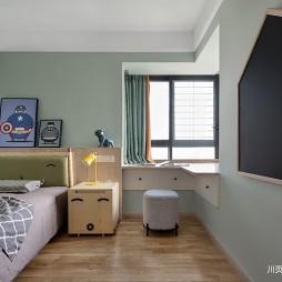 黑与木 灰与白——儿童房图片