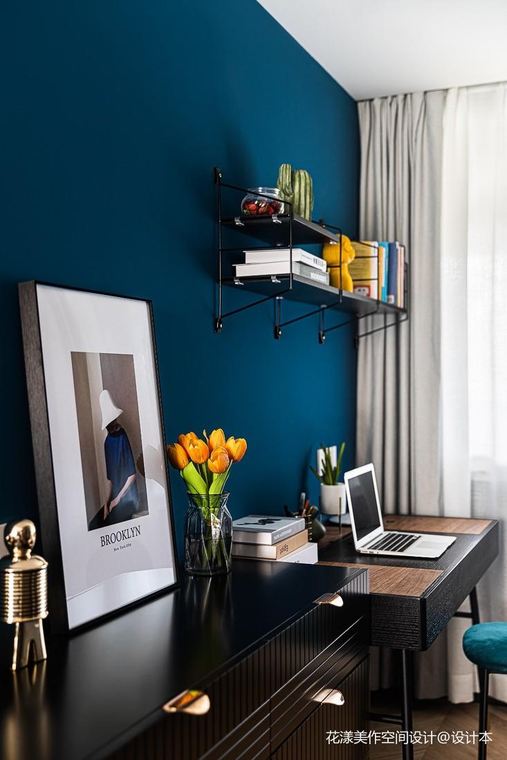 卧室书桌电视柜组合