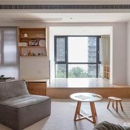 小户型客厅榻榻米装修图