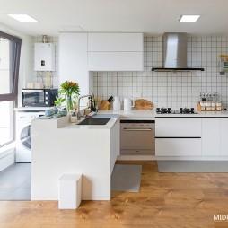 小开放式厨房