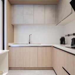 实木厨房收纳柜图片