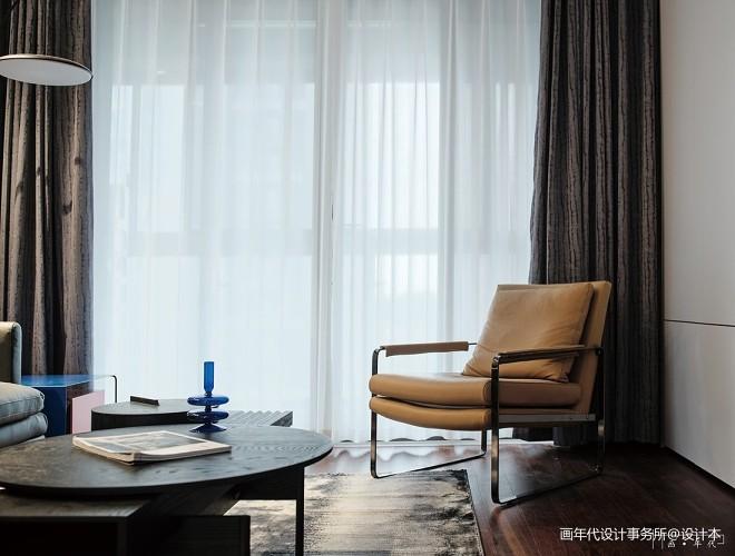 画年代设计 | 稻城里的克莱因蓝_1
