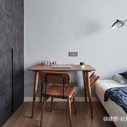 次卧北欧风书桌设计