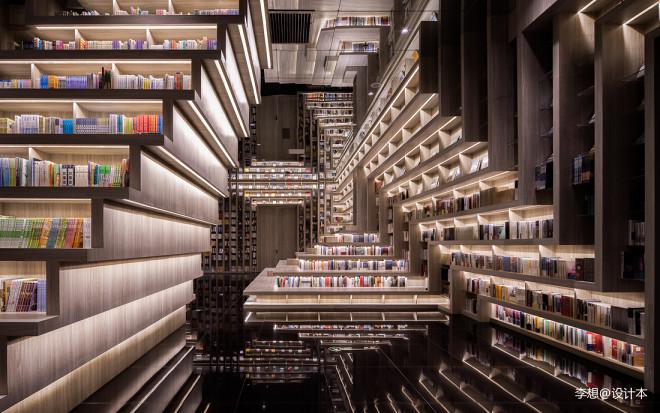 李想新作|一家藏在书店里的电影院_1