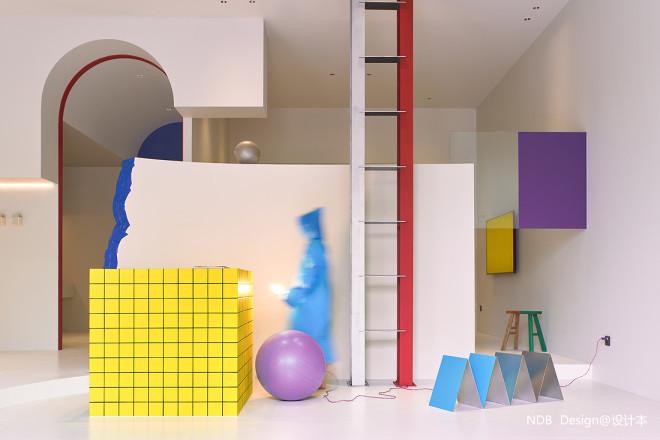 突破预设,一场色彩爆发的随机空间实验