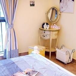 地中海风格温馨小清新婚房卧室装修效果图片