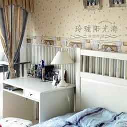 地中海风格复式楼时尚男孩儿童房书桌床头壁纸装修效果图片