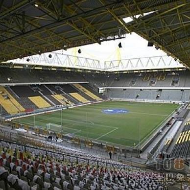 最新足球场地装修设计