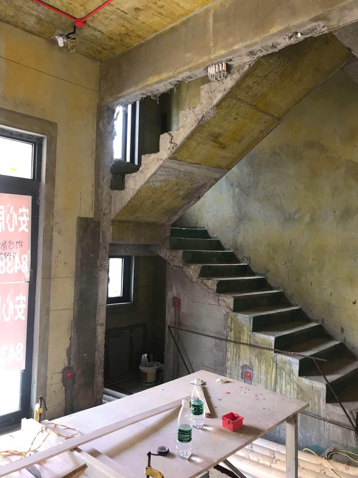 我的是碧桂园三层253平米的双拼小别墅!大师们给个建议做美式清澈做浅色还是深色好看!