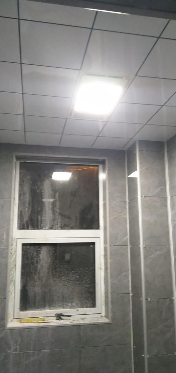 为什么柱子和灯的面积不扣除呢
