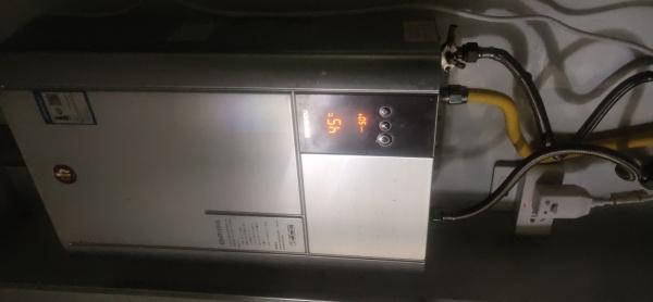 热水器突然报警,停止加热,是什么情况?怎么解决?
