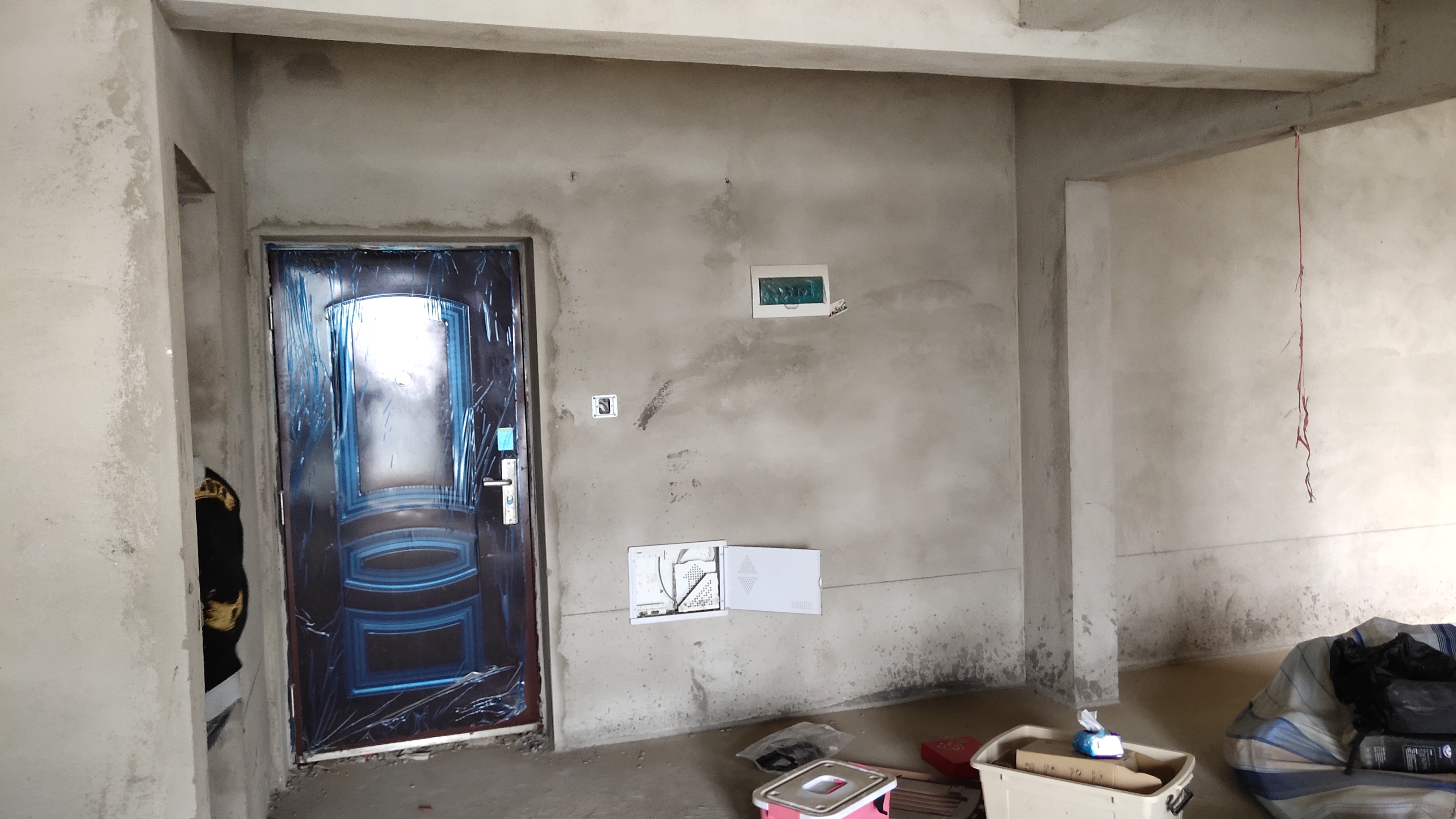 有强弱电箱的墙面可以设计柜体吗?
