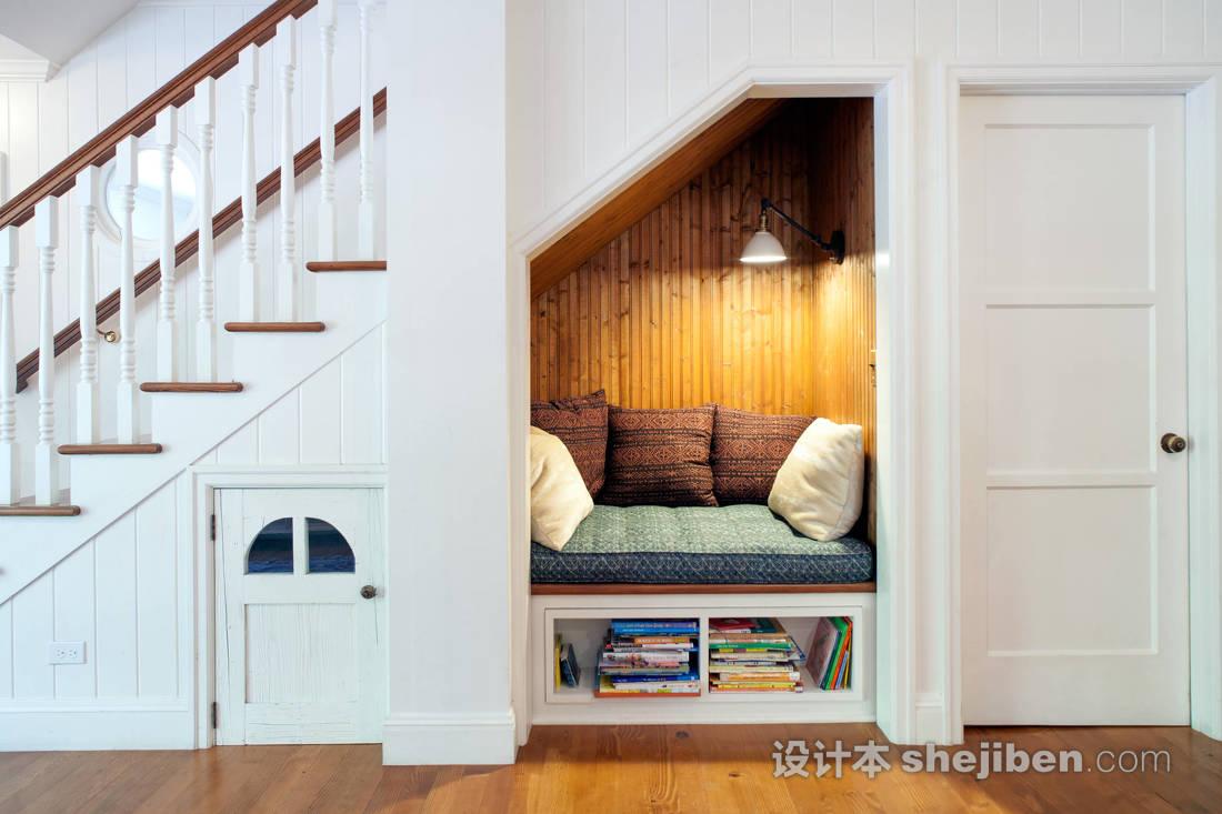 别墅楼梯间设计