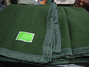 草绿色正品包边纯毛毛毯 2000克毛毯 毯子