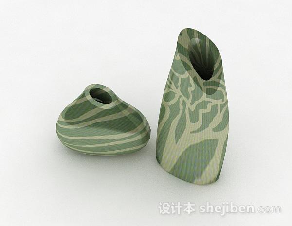 绿色花纹陶瓷花瓶